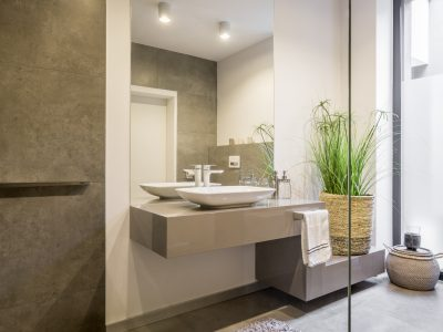 Aménagement de Salle de bain moderne style minéral